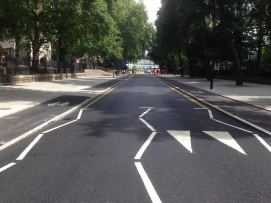 Copnhagen-style bike lane in Pancras Road (Pic via @PhilJones79/Twitter)