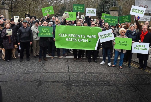 Regent's Park anti-cycle superhighway protest