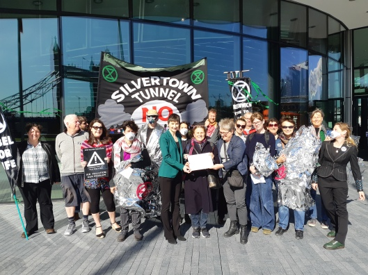 Silvertown tunnel protest at City Hall